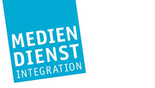 Auf weißem hintergrund das hellblaue Logo des Mediendienstes Integration